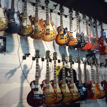 【気軽に行ける!】シドニーのギターショップ