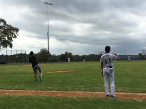 シドニー 野球 練習風景