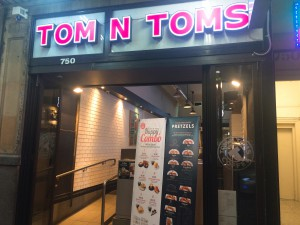 TomNToms