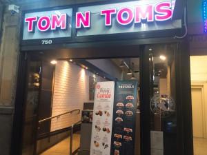 TomNToms