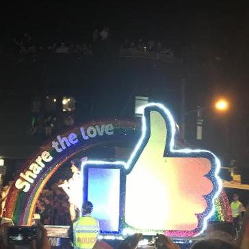 世界最大のLGBTパレード、シドニーのマルディグラ!!